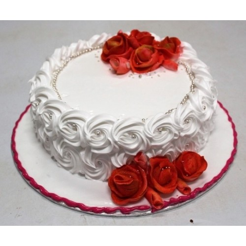 Nozzle cake Red & White: Birthday cakes cochin,Send cake to cochin ...